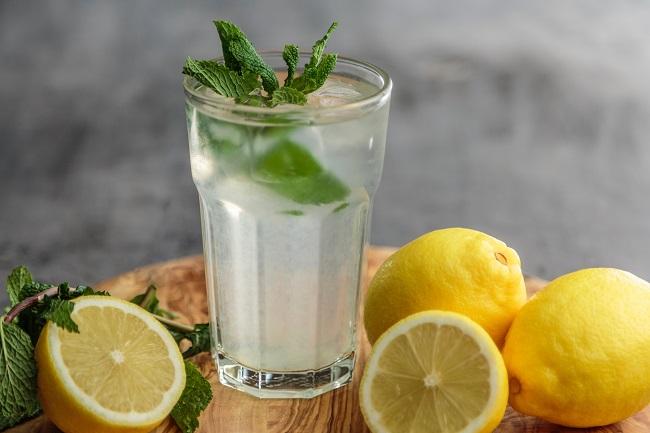 Limun i menta za lučenje probavnih sokova - Kivilaks